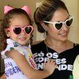 Thyane Dantas combinou óculos com filhos, Ysis e Dom, neste sábado, 27 de abril de 2019