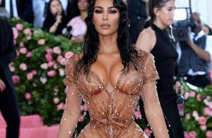 Cinta e corset impediram Kim Kardashian de sentar durante o MET Gala. Entenda!