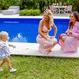 Sabrina Sato se divertiu ao interagir com Manuela, filha de Eliana, durante gravação