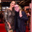 Ivete Sangalo com o fashion designer da marca Stefano Gabbana