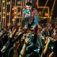 Gabriel Diniz comenta sobre o sucesso de sua relação durante gravação inédita do 'Altas Horas' que foi ao vivo neste sábado, 01 de junho de 2019
