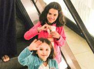 Fofas! Gêmeas de Bianca Rinaldi acenam para paparazzo em passeio com a mãe