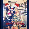 Rihanna faz pose sexy para desejar 'Feliz Natal' aos fãs, em 25 de dezembro de 2012