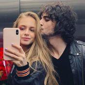 Isabella Scherer publica foto com buquê de rosas ao lado do namorado, Fiuk