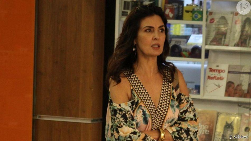 Fátima Bernardes usou vestido longo com mix de estampas em almoço nesta sexta-feira, 28 de junho de 2019