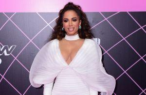 Anitta brilha com look de R$ 20 mil e festeja três troféus no MTV MIAW: 'Grata'