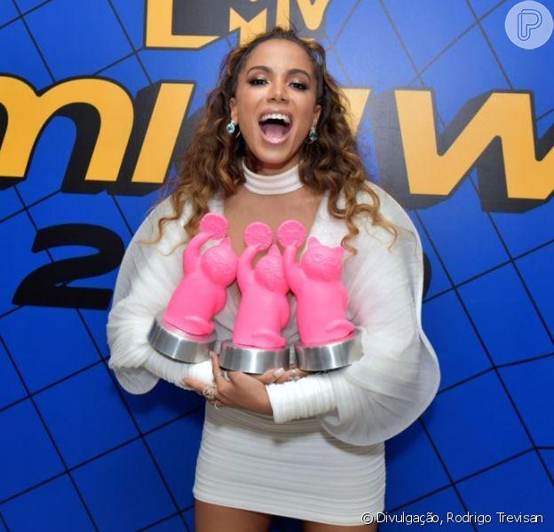 Anitta, com vestido poderoso, levou três prêmios no MTV MIAW 2019 nesta quarta-feira, 03 de julho de 2019