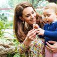 Kate Middleton tem apostado com mais frequências em estampas florais