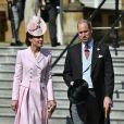 Kate Middleton, até mesmo em looks mais formais, tem mostrado um ar mais leve