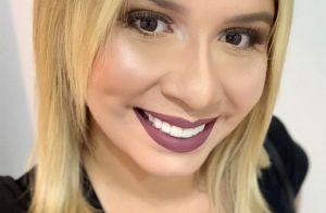 Grávida, Marília Mendonça posa de vestido justo e conta que foi presente da mãe