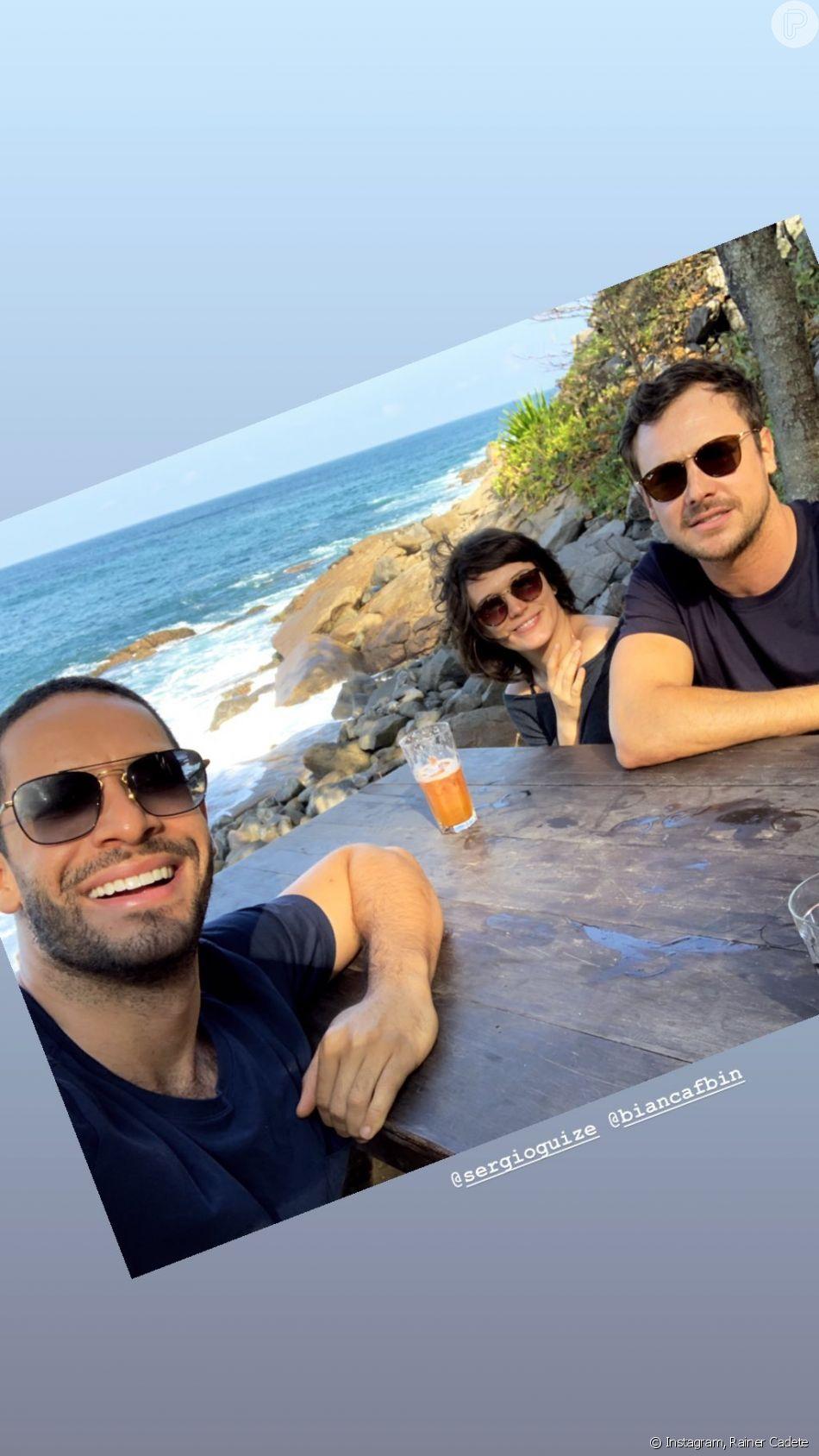 Sergio Guizé e Bianca Bin se divertiram ao lado do ator Rainer Cadete