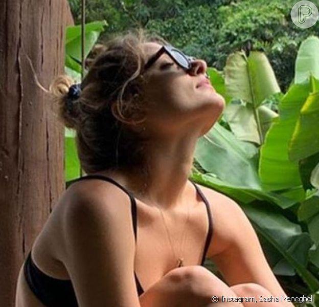 Sasha Meneghel apareceu de biquíni ao curtir viagem por Noronha com amigos