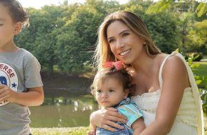 Filha de Patricia Abravanel, Jane se suja de comida ao jantar: 'Arteira'. Vídeo!