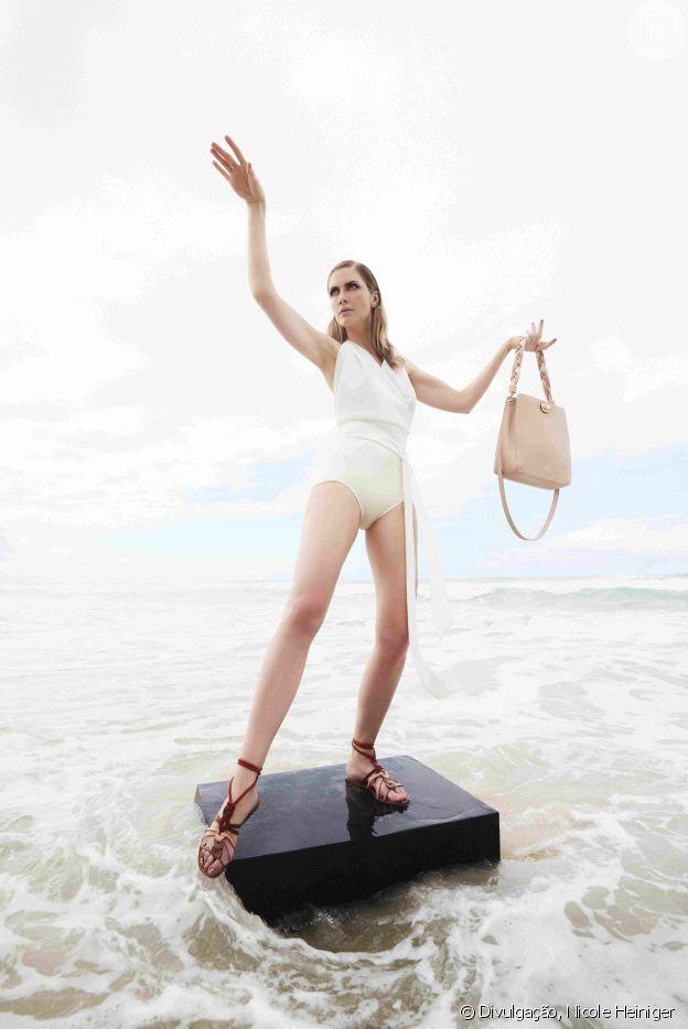 Modelo Ana Claudia Michels na campanha do verão 2020 da Arezzo