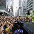 Simone e Simaria arrastam multidão em show em Nova York