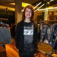 Lucas Jagger, filho de Luciana Gimenez, brincou sobre os esmaltes da mãe: 'Só tem duas cores'