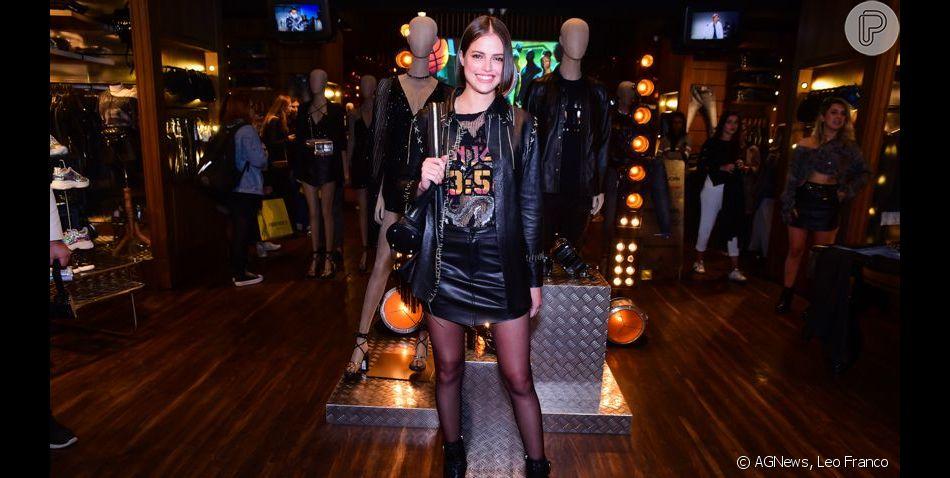 Agatha Moreira aposta em look rocker em evento de moda nesta quarta-feira, 4 de setembro de 2019