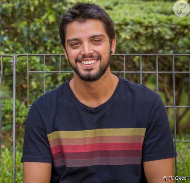 Bruno (Rodrigo Simas) tem história diferente do que a prevista no início da novela 'Órfãos da Terra'