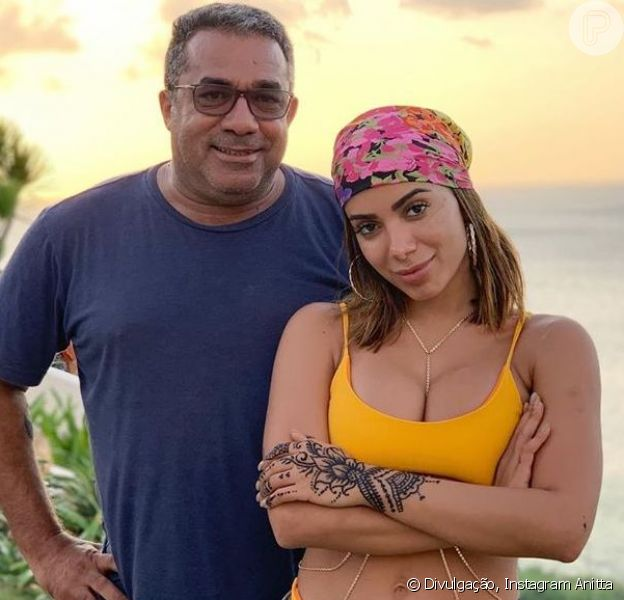 Mauro Machado, pai de Anitta, contou que o jatinho que os levava para um show da cantora em Santa Catarina passou por uma forte turbulência na hora da aterrissagem