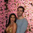 Simaria e marido, Vicente, viram Mulher Maravilha e Super Homem em festa. Vídeo!