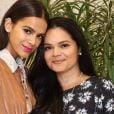 Bruna Marquezine contou que a foto dela de biquíni foi feita pela mãe, Neide
