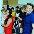 Filho de Thais Fersoza e Michel Teló, Teodoro combinou look com o pai ao assistir show de Patati Patatá em teatro do Rio de Janeiro, neste domingo, 15 de setembro de 2019
