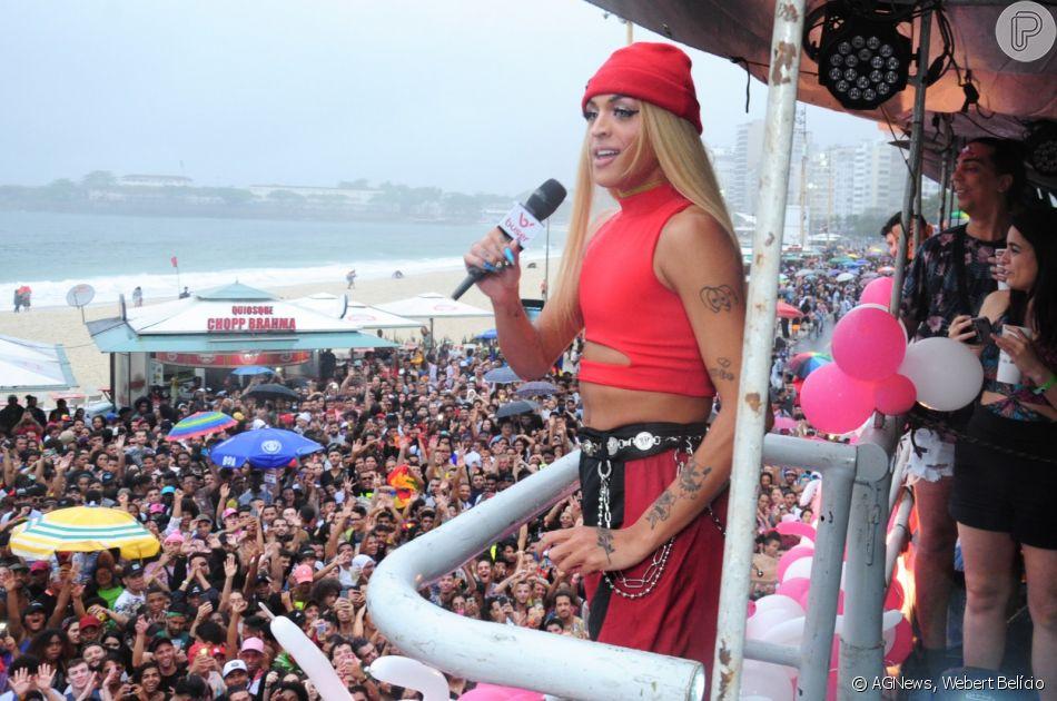 Pabllo Vittar se apresenta na Parada LGBT no Rio de Janeiro