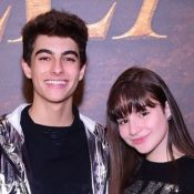 Sophia Valverde e namorado, Lucas Burgatti, posam abraçados em fotos: 'Te amo'