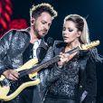 Sandy faz show de turnê doente: 'V irose pesadinha'