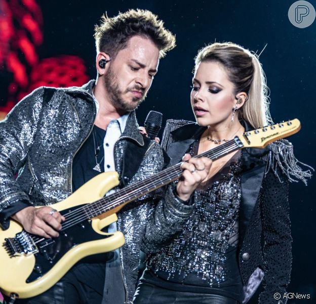 Sandy faz show de turnê doente: 'Virose pesadinha'