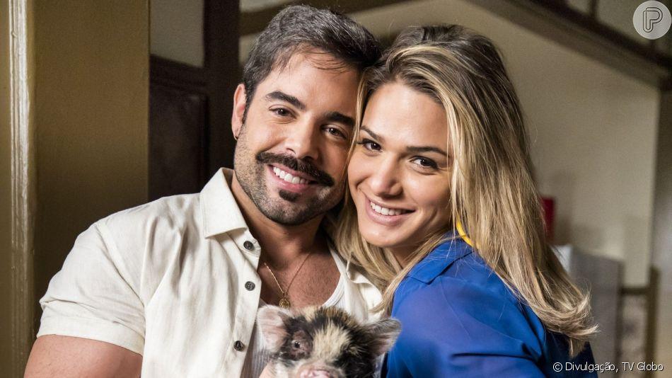 Depois de vencer preconceito, Abel (Pedro Carvalho) pede Britney (Glamour Garcia) em casamento na novela 'A Dona do Pedaço'