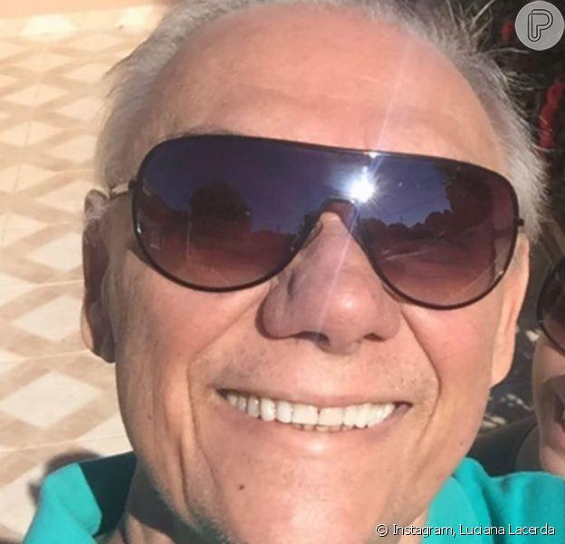 Foto da namorada de Marcelo Rezende chamou atenção atenção na web nesta terça-feira, 22 de outubro de 2019