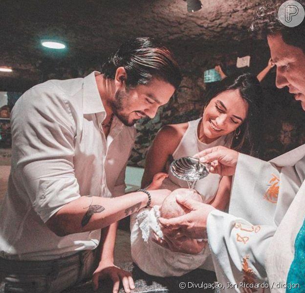 Luan Santana e Jade Magalhães batizam filha de amigos nesta terça-feira, dia 22 de outubro de 2019