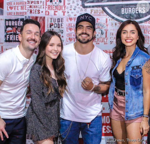 Famosos prestigiam Caio Castro em inauguração de hamburgueria em São Paulo, neste domingo, 27 de outubro de 2019