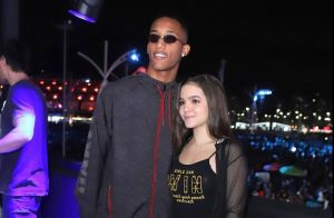 Mel Maia conta que o namorado tem ciúmes ao vê-la na TV: 'De cenas de namoro'