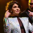 Giovanna Antonelli constrói penteado messy em evento de beleza