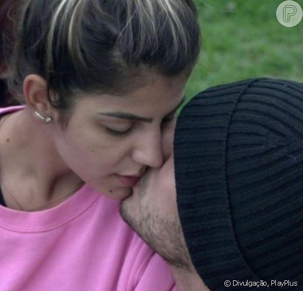 Lucas Viana e Hariany Almeida trocaram beijos em 'A Fazenda 11' nesta quarta-feira, 13 de novembro de 2019