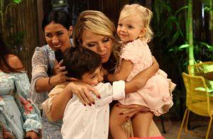 Filha de Eliana, Manuela ganha beijo carinhoso do irmão, Arthur, em vídeo. Veja!