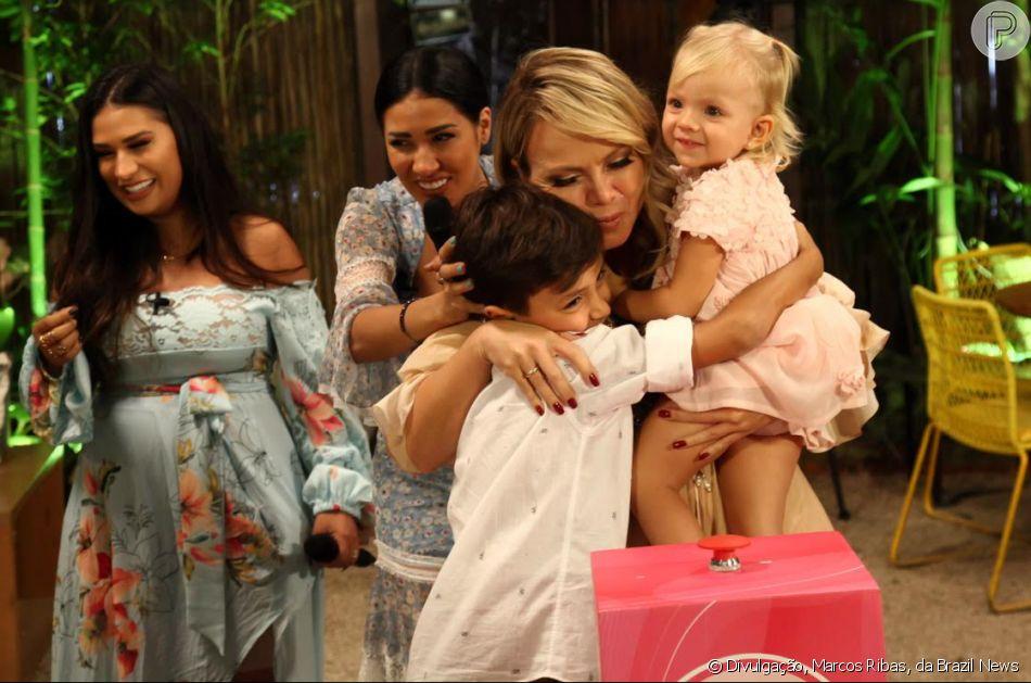 Eliana publicou vídeo com os filhos, Arthur e Manuela, no Instagram neste domingo, 17 de novembro de 2019