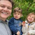 Família musical: Michel Teló faz 'revezamento' de bateria entre os filhos. Veja vídeo postado nesta sexta-feira, dia 29 de novembro de 2019