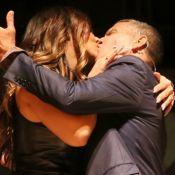 Viviane Araujo encena beijo em Eri Johnson ao estrelar peça 'Quem é Quem'