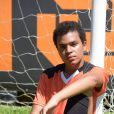 Na novela 'Amor Sem Igual', Santiago (Marcio Elizzio) é um dos alunos da escolinha de futebol