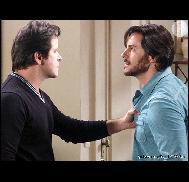 Jonas (Murilo Benício) cai nas provocações de Herval (Ricardo Tozzi) e parte para cima dele, em 'Geração Brasil'