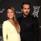 Blake Lively, grávida, usa decote em jantar beneficente ao lado de Ryan Reynolds