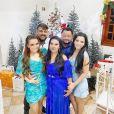 A dupla Maiara e Maraisa celebrou o Natal em família de forma descontraída
