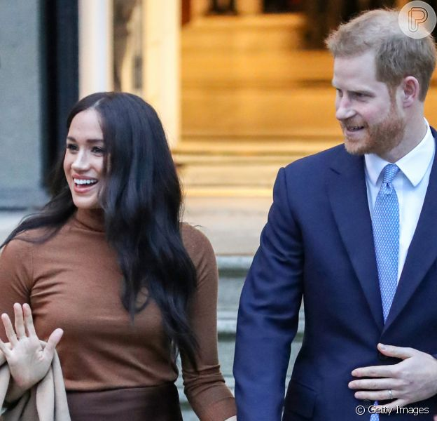 Look neutro e gestos de carinho: a 1ª aparição de Meghan Markle e Harry em 2020 nesta terça-feira, dia 07 de janeiro de 2020
