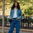 Calça jeans na moda em 2020: camisa social e jaqueta jeans são uma boa aposta para deixar o look fashion