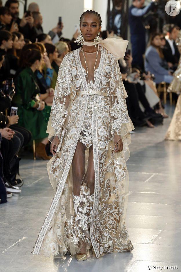 Cinto e renda é trend no Paris Fashion Week em desfile da Elie Saab nesta quarta-feira, dia 22 de janeiro de 2020