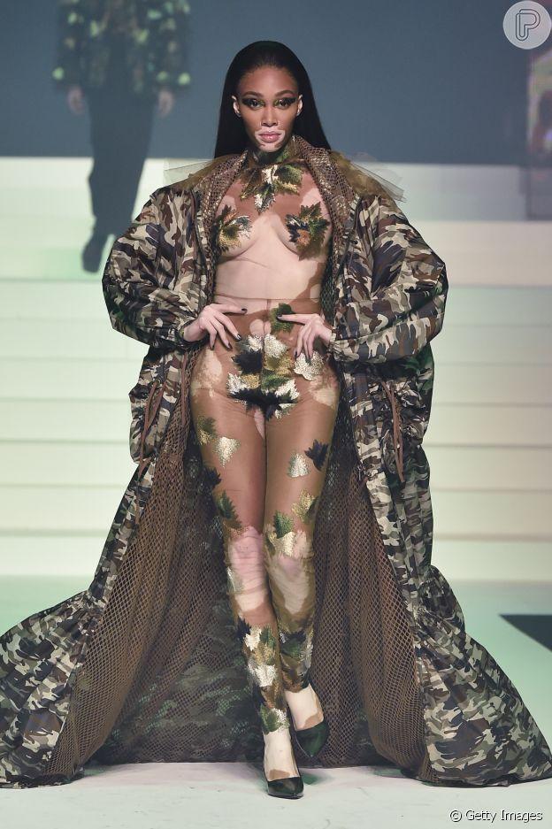 Moda militar maximalista é trend da Primavera/Verão em desfile do Jean-Paul Gaultier na alta-costura de Paris