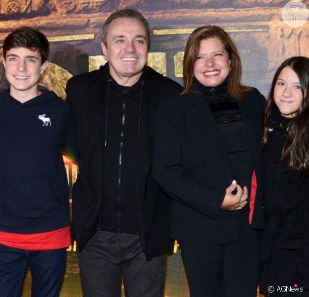 Rose Miriam Di Matteo gravou um vídeo para garantir que ela e Gugu Liberato mantinham sim um relacionamento estável